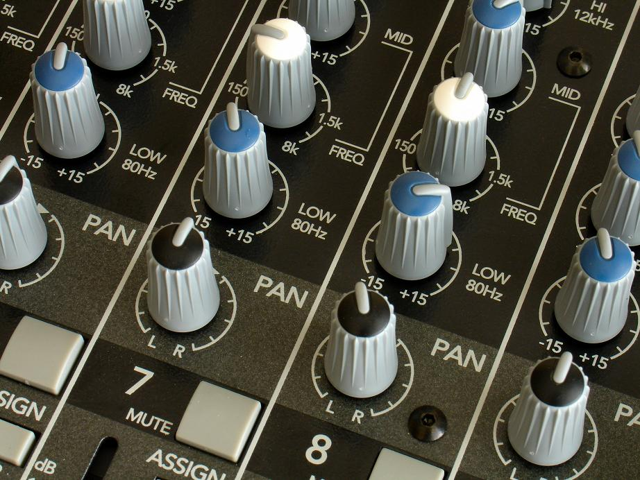 All Modern Technologies - Sound Board Knobs